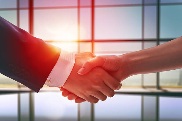 handshake of businessmen picture id512549722